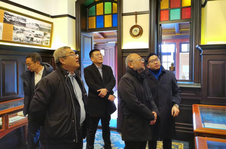 国际著名声学设计大师丰田泰久先生访问集团公司