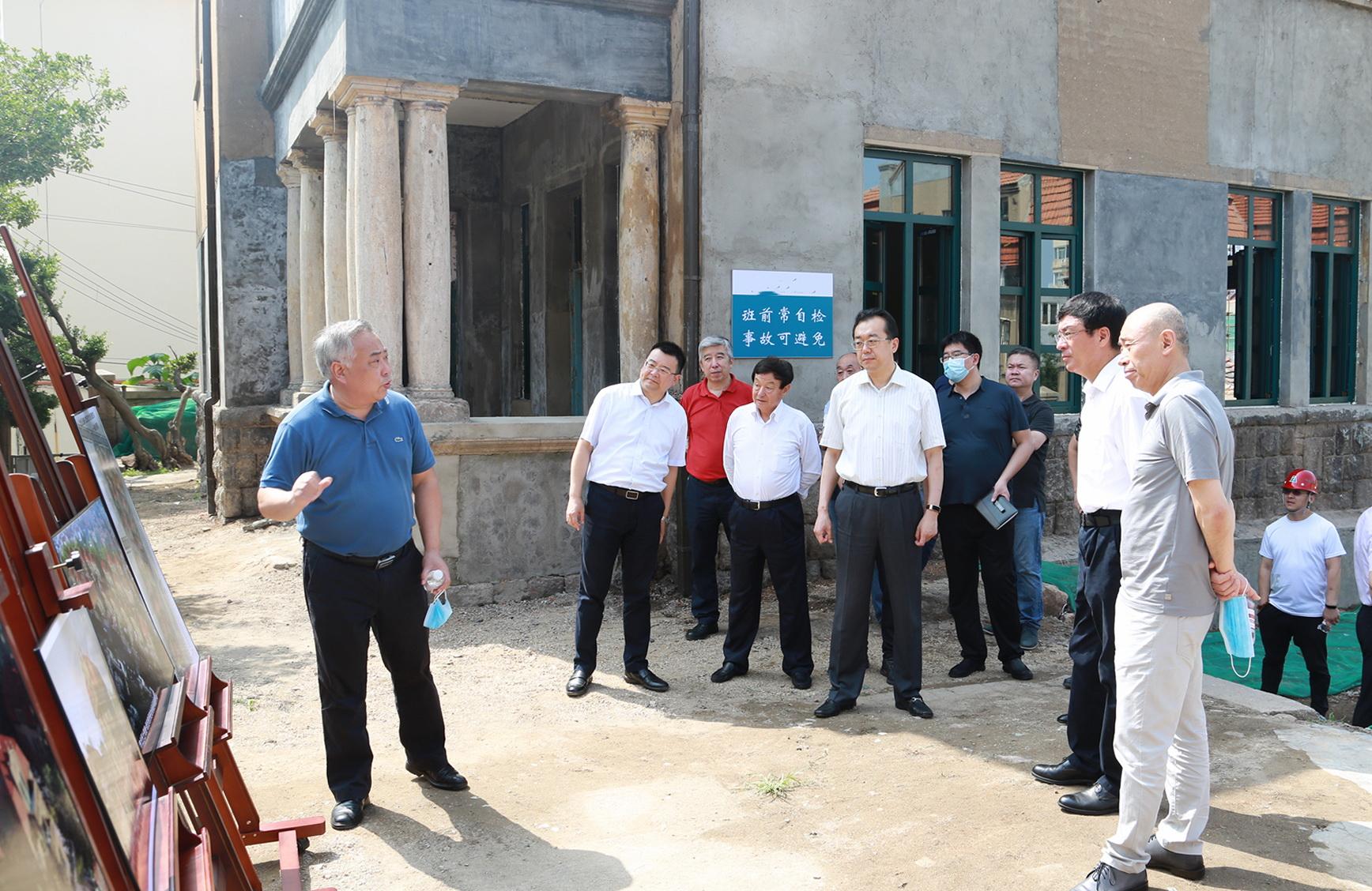 市委副书记王鲁明视察上海路-武定路历史文化街区修复项目